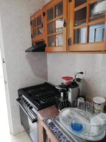 A kitchen or kitchenette at Casa Pistache L.A.