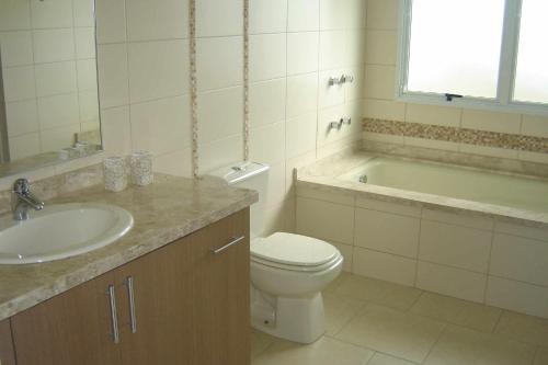 Un baño de Espaçosa casa em Florianópolis-Ingleses