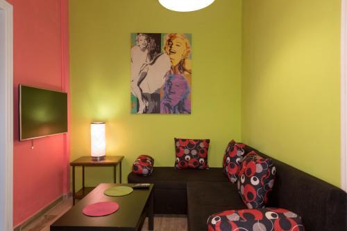 A seating area at Helena Apartments & Villas