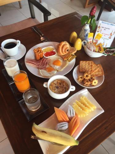 진 풀 빌라 투숙객을 위한 아침식사 옵션