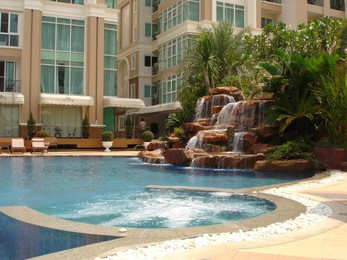 Бассейн в Beautiful Apartment D6 Central Pattaya или поблизости