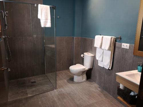 A bathroom at Barroso Centro Aptos.