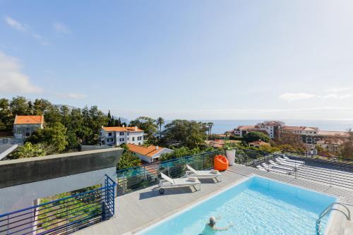 Uma vista da piscina em Terrace Mar Suite Hotel ou nas proximidades