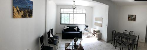 A television and/or entertainment centre at Salvador Ondına Telles Apartament