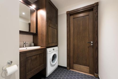 A bathroom at Sakala 7 LUX Apartment