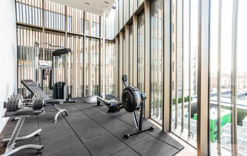 The fitness center and/or fitness facilities at Native Bankside