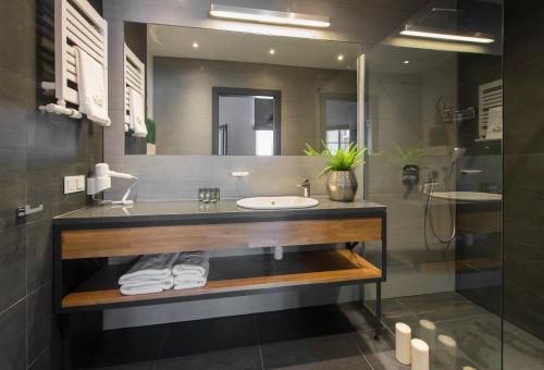 A bathroom at Aparthotel BC 29 Residence