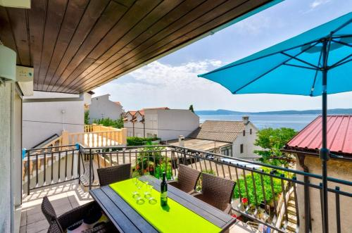 A balcony or terrace at Apartments Lino