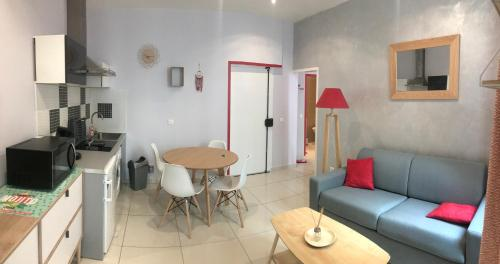 A seating area at Appartement Marseille, Centre&Vieux-port