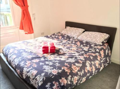 A bed or beds in a room at 33A Sunderland Road
