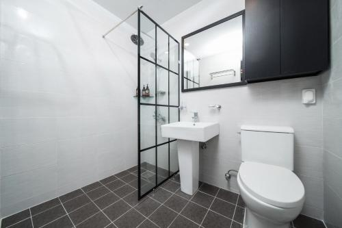 A bathroom at Jeju Soo Pension
