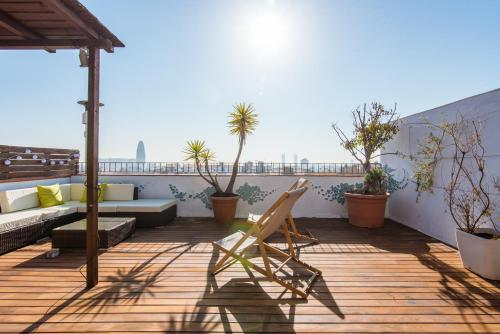 A balcony or terrace at Exclusive Sagrada familia penthouse with sea views