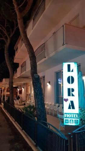 Hotel Lora