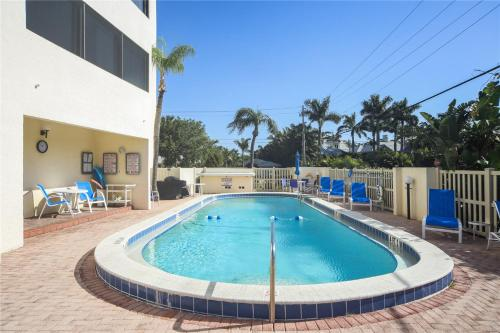 The swimming pool at or near Lido Key 07 Home