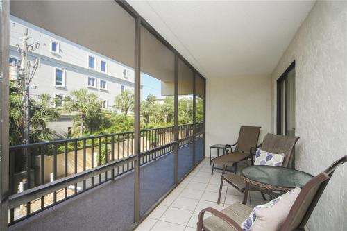 A balcony or terrace at Lido Key 07 Home