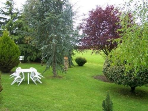 Jardin de l'établissement House Moulins le carbonnel - 6 pers, 85 m2, 3/2 2