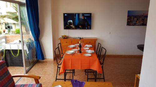 A restaurant or other place to eat at Very nice apartment near Yumbo, playa del ingles