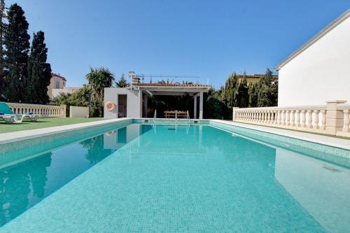 The swimming pool at or near Villa Maravillas 2