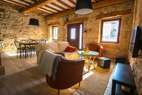 A seating area at Casa Rural Tio Alberto