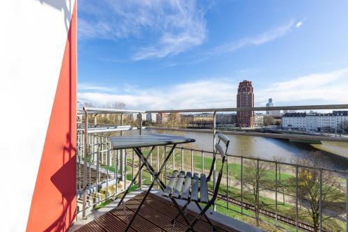 brzi izlazak iz Frankfurta besplatno online upoznavanje yellowknife