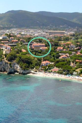 A bird's-eye view of Hotel Acquamarina
