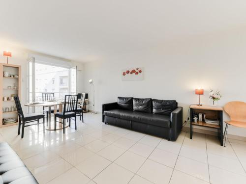 A seating area at Apartment