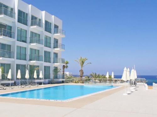 The swimming pool at or near Apartment PRCORA308