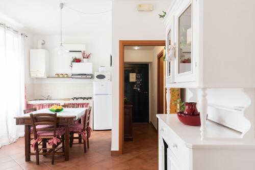 A kitchen or kitchenette at Appartamento Giovanna