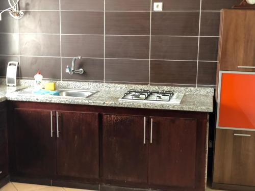 A kitchen or kitchenette at Oued Laou واد لاو