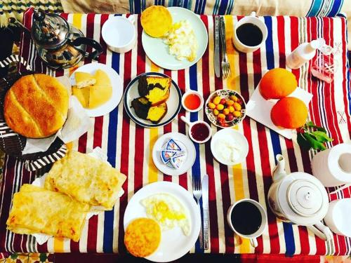 Breakfast options available to guests at Casa Meryem