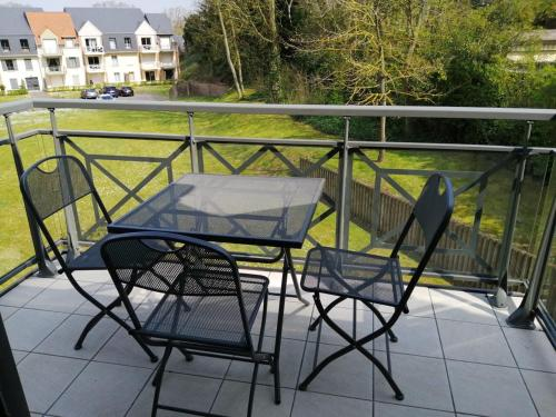 A balcony or terrace at Le Courlis