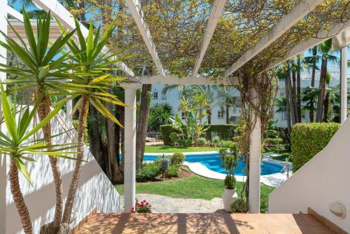 Бассейн в Apartamento Marbella Real 3D или поблизости