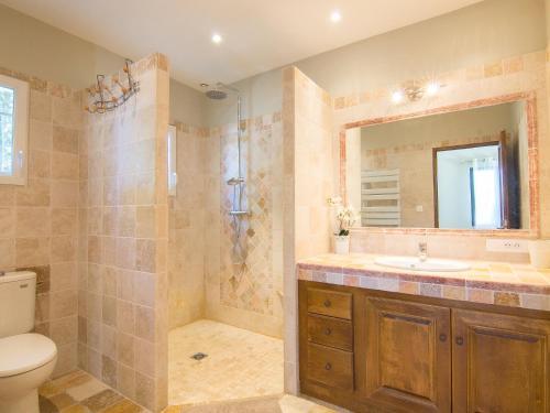 A bathroom at Holiday Home Bezert