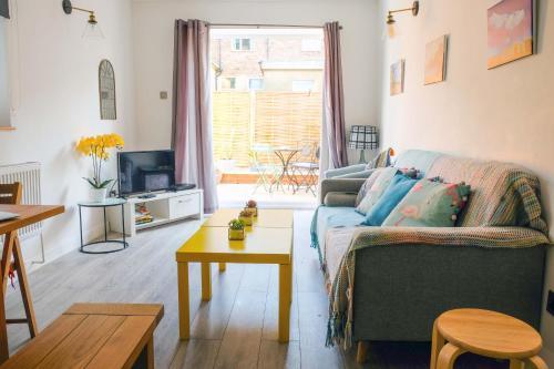 Ein Sitzbereich in der Unterkunft Contemporary Two bedroom two bathroom apartment
