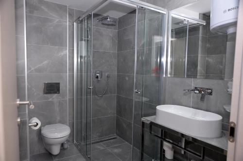 A bathroom at Alexandar Central Apartments