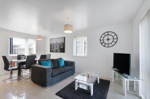 A seating area at Valentis Contractor Apartments Harlow / Stansted