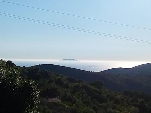 Vista general d'una muntanya o vistes d'una muntanya des de l'apartament
