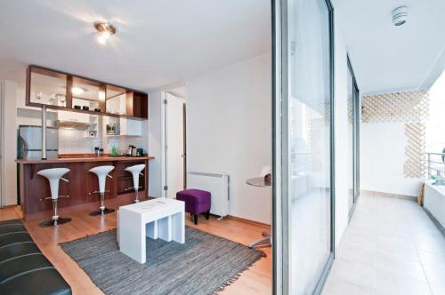 A seating area at Bellavista Apartments