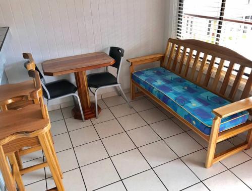 Zona de estar de Prado Inn & Suites