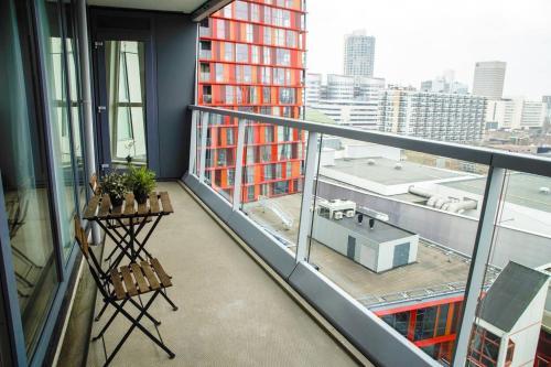 A balcony or terrace at Calypso apartment City Center + Parking