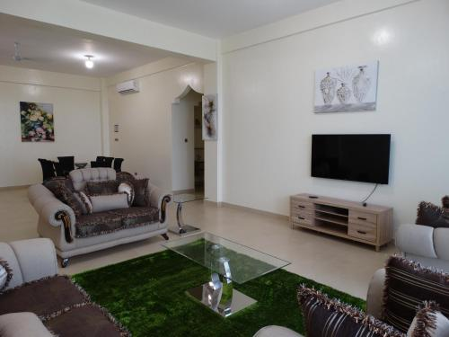 A seating area at Nyali Golf View Residence