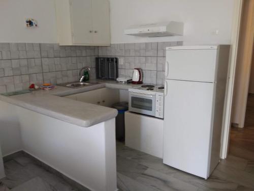 A kitchen or kitchenette at Nefeli