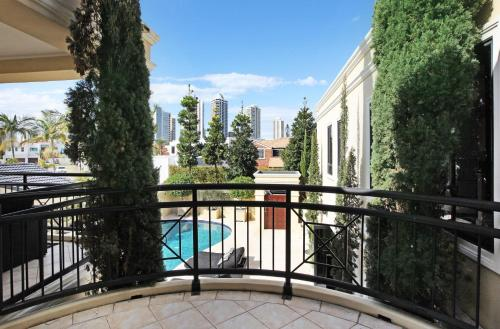 A balcony or terrace at Valencia- Waterfront Opulance