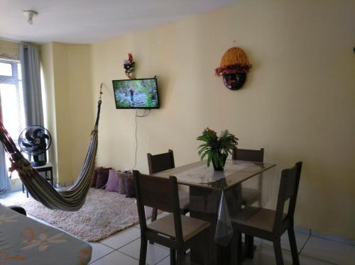 A television and/or entertainment centre at Recife Centro Apartamento