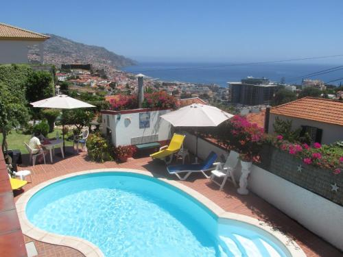 Vista de la piscina de Apartments Vista Oceano o alrededores