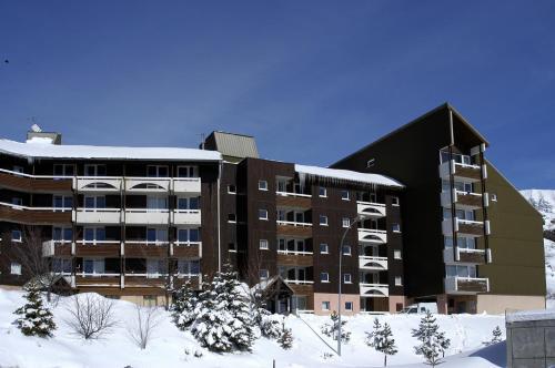 Résidence Pierre & Vacances Les Horizons d'Huez during the winter