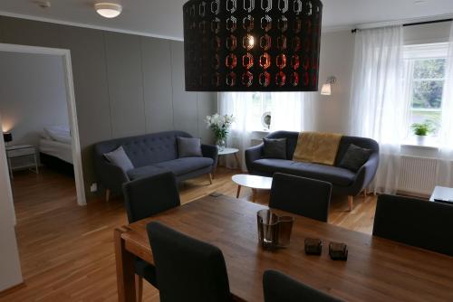 A seating area at Gamli Skólinn Húsavík