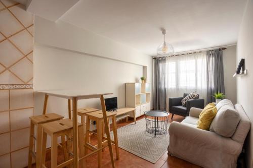 A seating area at Apartamento Bed&Center 2A