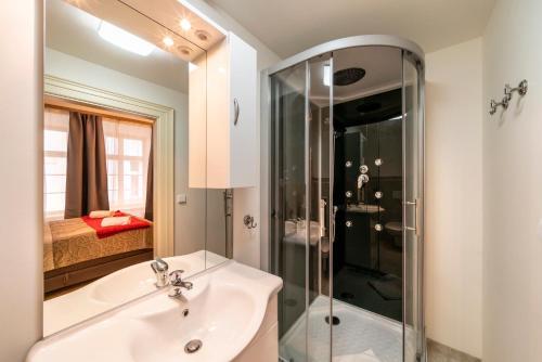 Ένα μπάνιο στο Old Town - Aparthotel Michalska