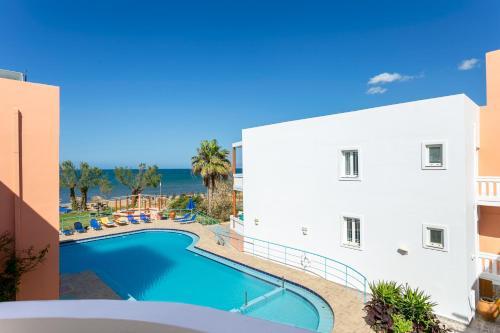 Πισίνα στο ή κοντά στο Eden Beach Hotel
